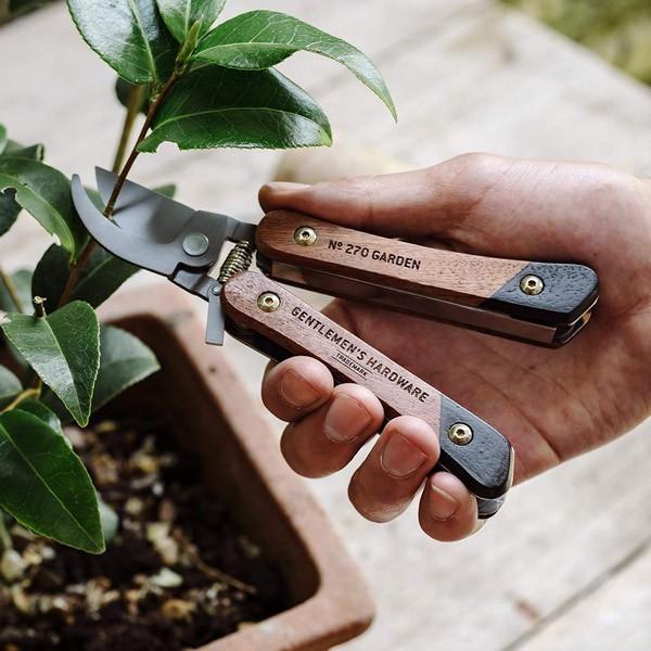 "Multi-outils pour Jardin"" Gentlemen's Hardware"""