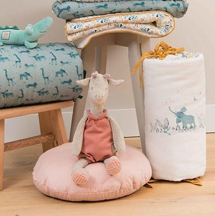 Mini Machine /à Coudre Blanc DingLong Toy Maisons De Poup/ées Miniature Accessoire D/éco pour 1:12 Mini Dollhouse Jouets Pr/étendus Sewing Machine 80x80x34 mm